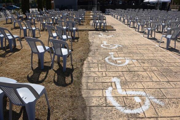 Με ένα μεγάλο αφιέρωμα στο Θάνο Μικρούτσικο ανοίγει η αυλαία του Διεθνούς Φεστιβάλ Πάτρας!
