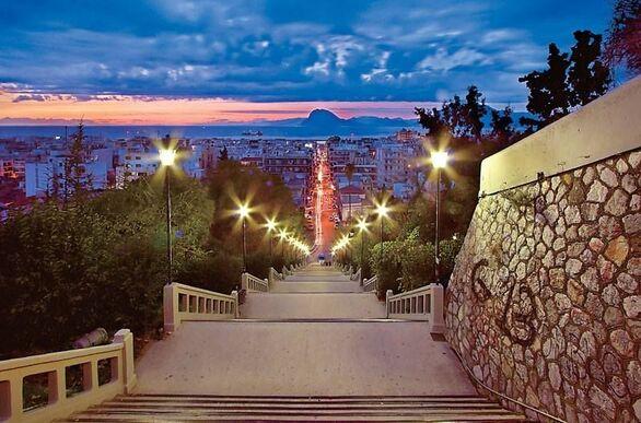 """Εντός του μήνα στον """"αέρα"""" ο διαγωνισμός για τις 4 ιστορικές σκάλες της Πάτρας"""