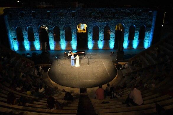 Πάτρα - Μια μαγευτική λυρική βραδιά στο Ρωμαϊκό Ωδείο (φωτο)
