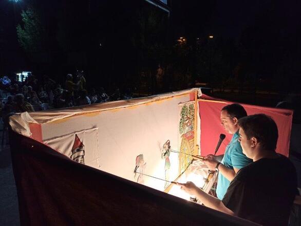 Πάτρα - Ο Καραγκιόζης έκανε στάση στο Ζαβλάνι και έστειλε το δικό του μήνυμα (φωτο)
