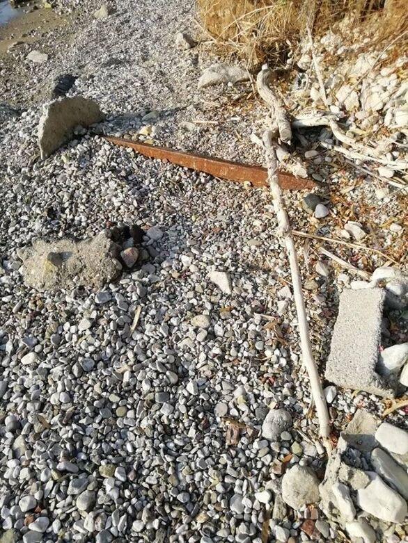 Πάτρα: Κίνδυνος για τους λουόμενους σε σημείο της παραλίας του Καστελοκάμπου