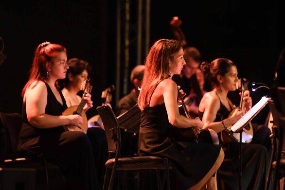 Το Πατρινό κοινό απόλαυσε μια ξεχωριστή μουσική βραδιά κάτω από την λάμψη του ολόγιομου φεγγαριού (φωτο)