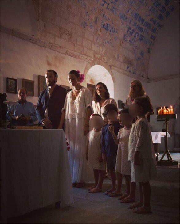 Η Ζενεβιέβ Μαζαρί δημοσίευσε φωτογραφίες από τον γάμο της