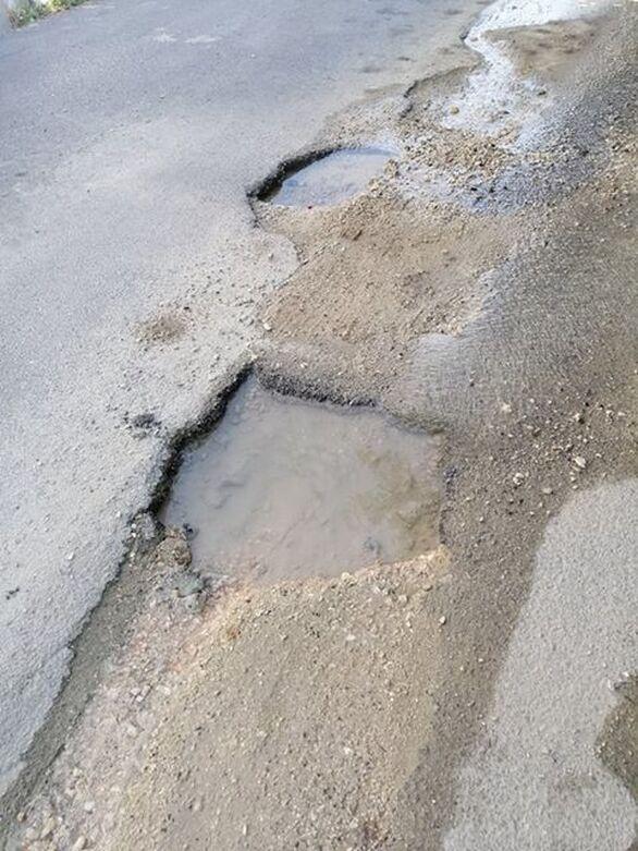Πάτρα: Mια διαρροή νερού που κανείς δεν ενδιαφέρεται να φτιάξει!