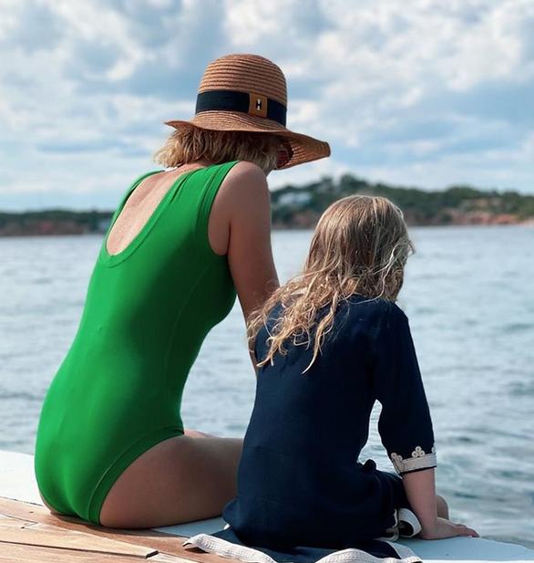 Βίκυ Καγιά: Η τρυφερή φωτογραφία με την κόρη της