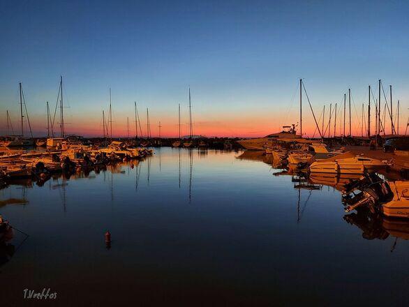 Κλασικό και υπέροχο - Το ηλιοβασίλεμα από τη Μαρίνα της Πάτρας!