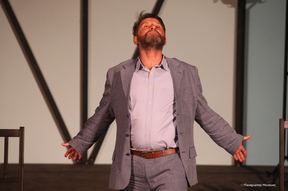 """Πάτρα - Κέρδισε το χειροκρότημα η παράσταση """"Το Δάνειο"""" (φωτο)"""