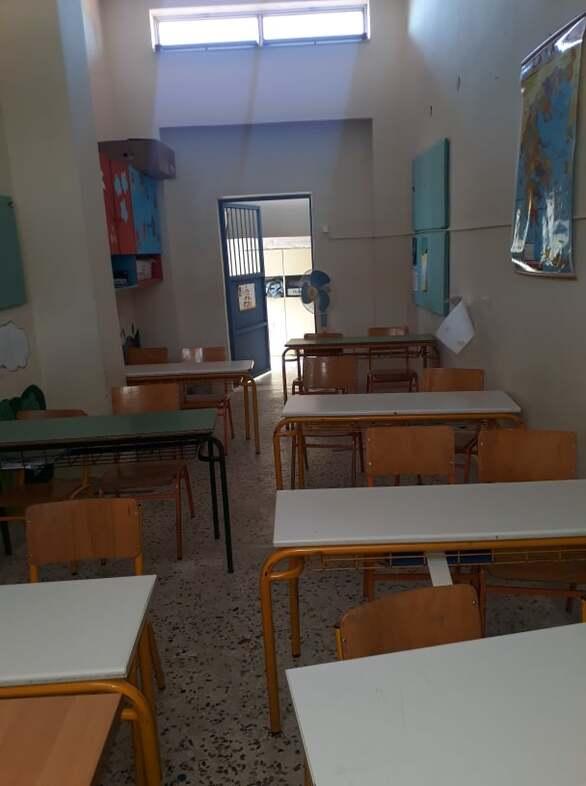 Πάτρα: Παιδιά στο Σαραβάλι καλούνται να κάνουν μάθημα σε αίθουσες αποθήκες! (φωτό)
