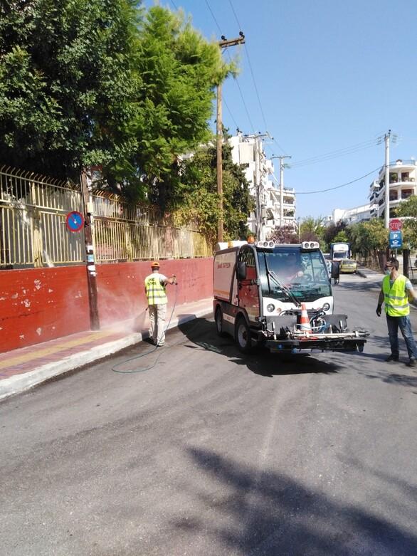 Πάτρα: Συνεργεία του Δήμου προχώρησαν σε απολύμανση στο 2ο Λύκειο (φωτό)