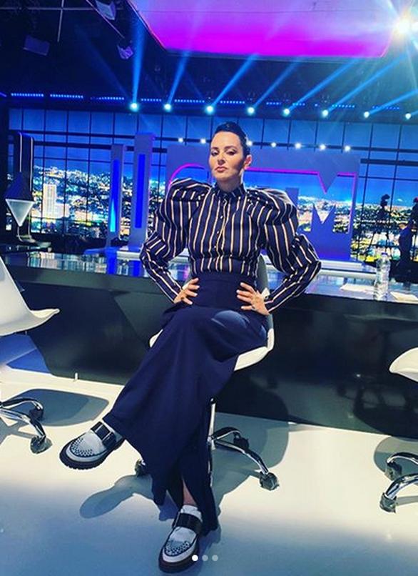 Ζενεβιέβ Μαζαρί - Η απίθανη απάντηση σε σχόλιο για το πόδι της