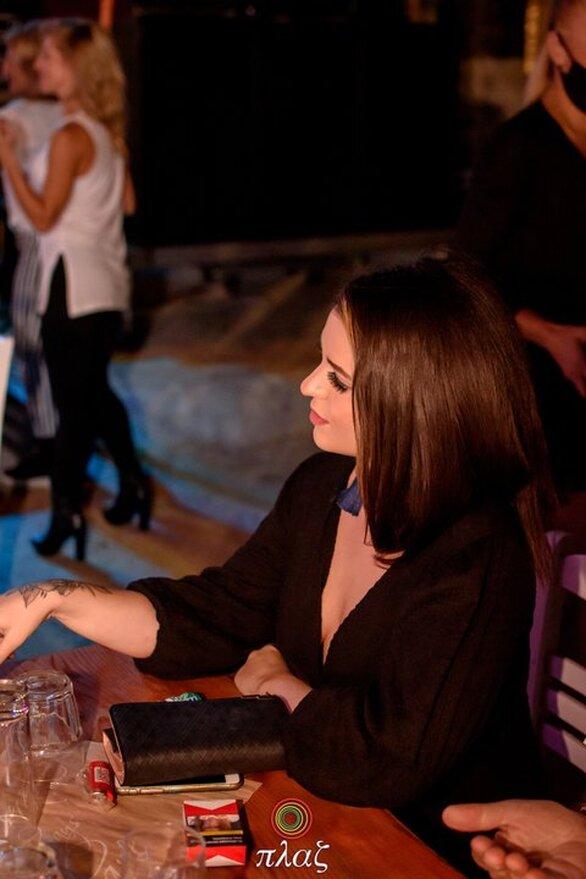 """""""Στην καρδιά"""" της Πλαζ παρέα με τον Θέμη Αδαμαντίδη - Με επιτυχία το live του αγαπημένου καλλιτέχνη (pics)"""