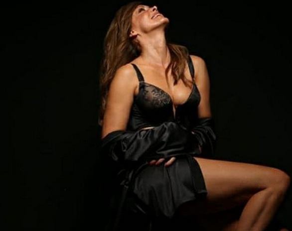 Η Ελίνα Κέφη βρίσκει την απόλυτη θηλυκότητα της