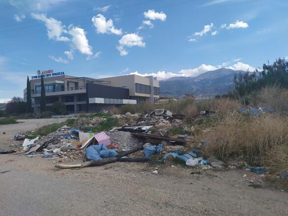 """Ηλίας Κωνσταντάτος: """"Μέγαρο ή ακόμα ένας σκουπιδότοπος"""";"""