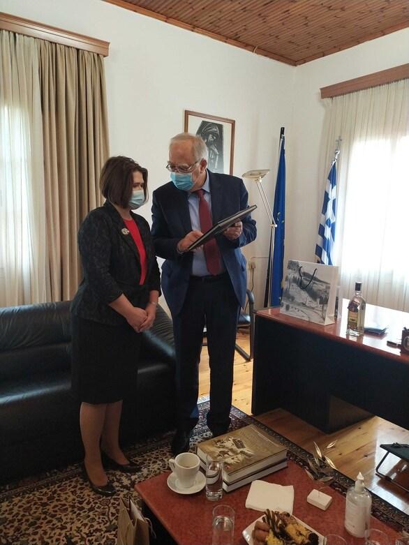 Η Πρέσβης της Σλοβακίας στα Καλάβρυτα (φωτο)