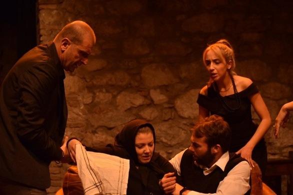 """Διαγωνισμός: Το patrasevents.gr σας στέλνει στη θεατρική παράσταση """"Μπαμπάδες με Ρούμι""""!"""