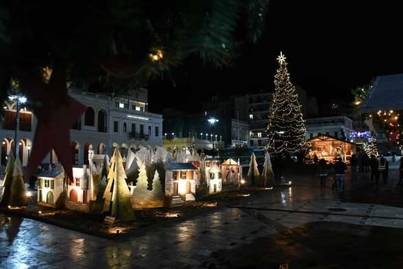 «Κλικ» και… σκιαγράφηση στο μαγικό χριστουγεννιάτικο χωριό της πλατείας Γεωργίου (φωτο)