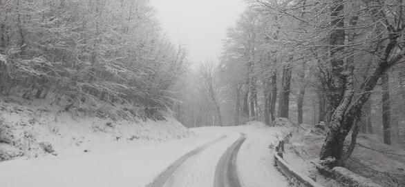 Στα λευκά η Ορεινή Ναυπακτία - Μοναδικές εικόνες