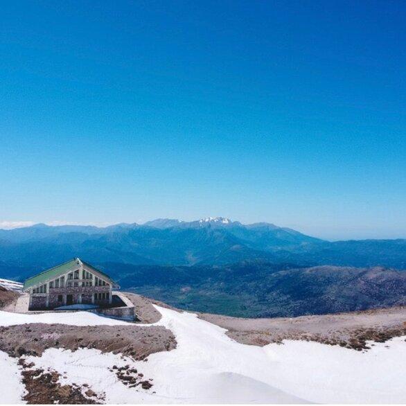 Τα χιονισμένα Καλάβρυτα απλά... σαγηνεύουν - Βίντεο και φωτογραφίες από το εντυπωσιακό τοπίο