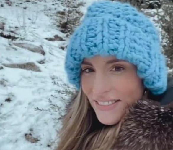 Αθηνά Οικονομάκου - Εξόρμηση στα χιόνια για την εγκυμονούσα ηθοποιό