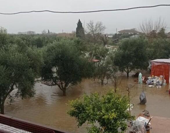 "H κακοκαιρία ""σαρώνει"" το Αγρίνιο - Αίτημα να κηρυχθεί ο δήμος σε κατάσταση έκτακτης ανάγκης (φωτο+video)"
