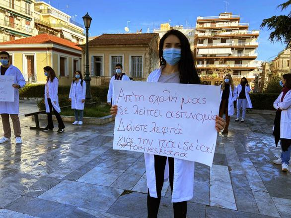 """Φοιτητές Ιατρικής Πάτρας: """"Επιλέγουν να σιωπούν απέναντι στις ανάγκες μας"""""""