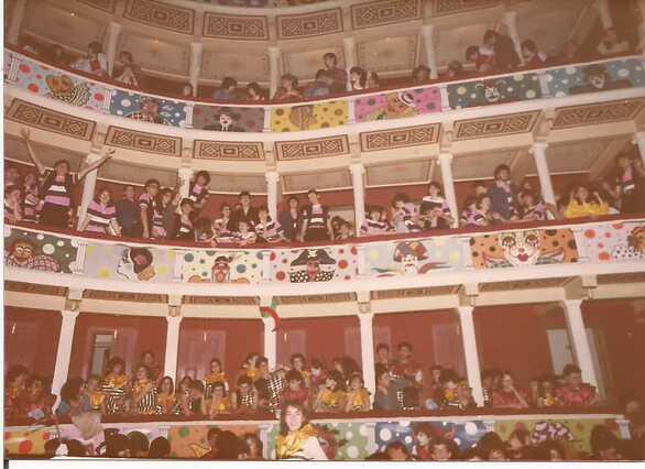 Πάτρα: Όταν οι εξώστες του «Απόλλων» ήταν γεμάτοι από καρναβαλιστές