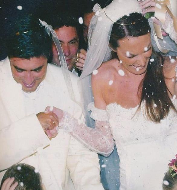 Τατιάνα Στεφανίδου - Η throwback φωτογραφία από τον γάμο της με τον Νίκο Ευαγγελάτο