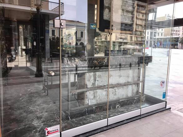 """Το μαγαζί """"γωνία"""" στην καρδιά της Πάτρας που έγινε στέκι και αγαπήθηκε (φωτό)"""