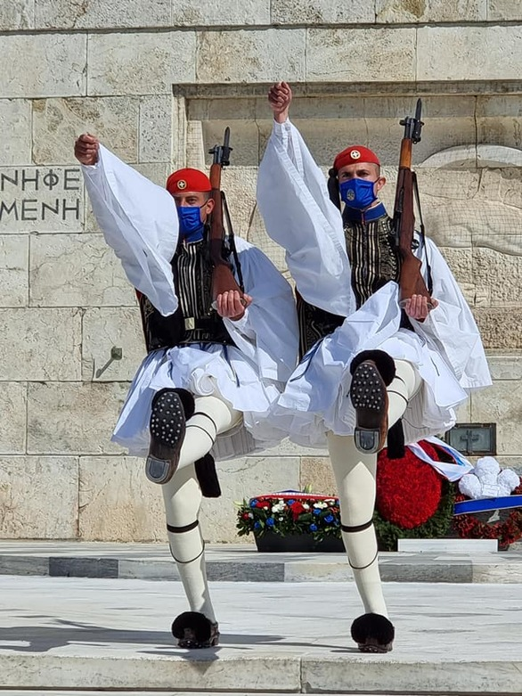 Πατρινός Εύζωνας στις εκδηλώσεις για τα 200 χρόνια από την Επανάσταση του 21 (pics)