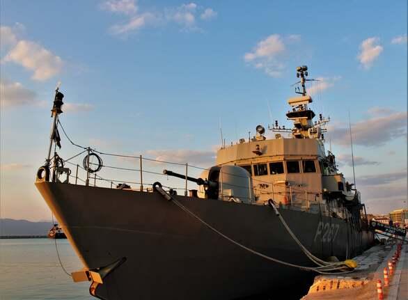 Τα πλοία της Αριάδνης στο λιμάνι της Πάτρας και η φρεγάτα που ξεχωρίζει (φωτό)
