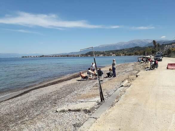 Πατρινοί εξόρμησαν στη θάλασσα και πήραν «μυρωδιά» από… καλοκαίρι! (φωτο)