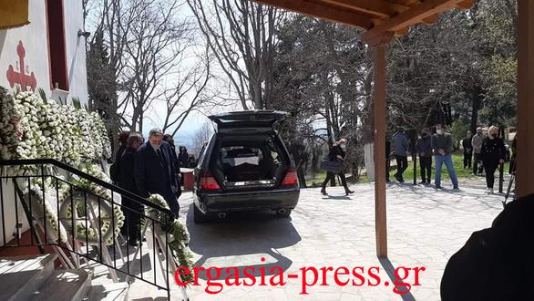 Γιώργος Καραϊβάζ: Θρήνος στο τελευταίο αντίο στον δημοσιογράφο