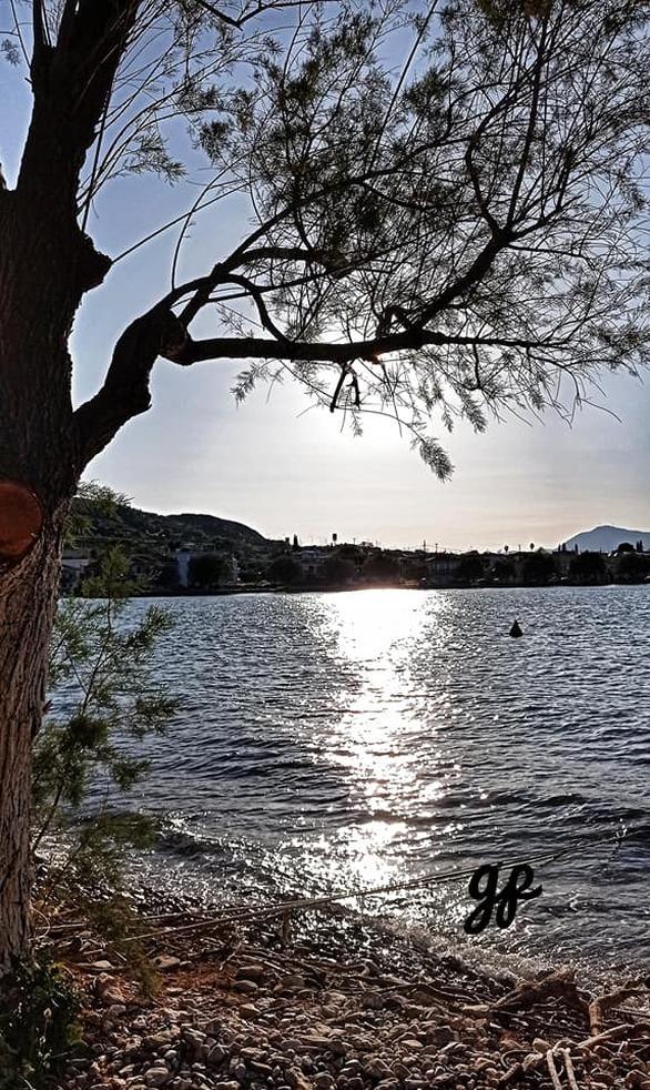 Το γραφικό λιμανάκι λίγο έξω από την Πάτρα που το ερωτεύεσαι! (pics)
