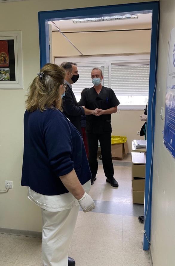 Επίσκεψη Θανάση Παπαθανάση στο Γενικό Νοσοκομείο Μεσολογγίου (φωτο)