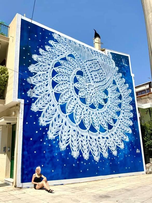 Ψηλά το κεφάλι! - Η τοιχογραφία της NeSpoon στην Πάτρα ολοκληρώθηκε