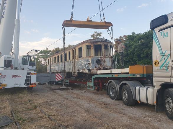 """Η """"αρχόντισσα"""" του ΟΣΕ στην Πάτρα αναχώρησε για το μουσείο του Πειραιά"""