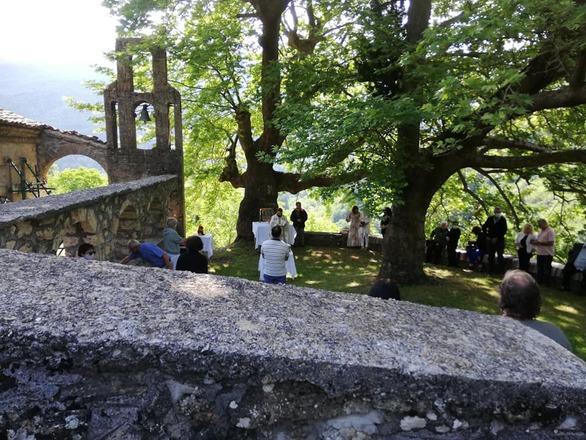 Ο υπαίθριος εκκλησιασμός στην Αγία Τριάδα της Ζαρούχλας Αχαΐας (φωτό)
