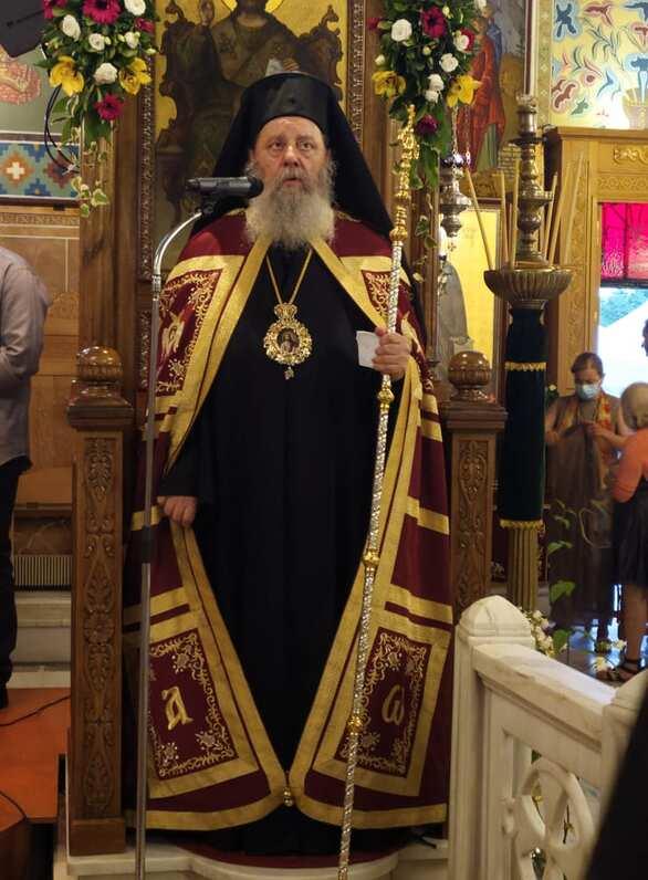 Πάτρα: Με λαμπρότητα εορτάσθη η εορτή του Αγίου Πνεύματος στον Ιερό Ναό Αγίας Τριάδος (φωτο)