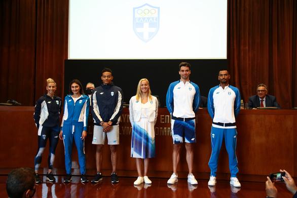 Η παρουσίαση της επίσημης στολής της ελληνικής ομάδας για τους Ολυμπιακούς Αγώνες του Τόκιο (φωτο)