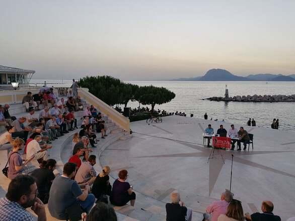 Πάτρα: Με επιτυχία πραγματοποιήθηκε η εκδήλωση του ΣΥΡΙΖΑ Αχαΐας στο Θεατράκι
