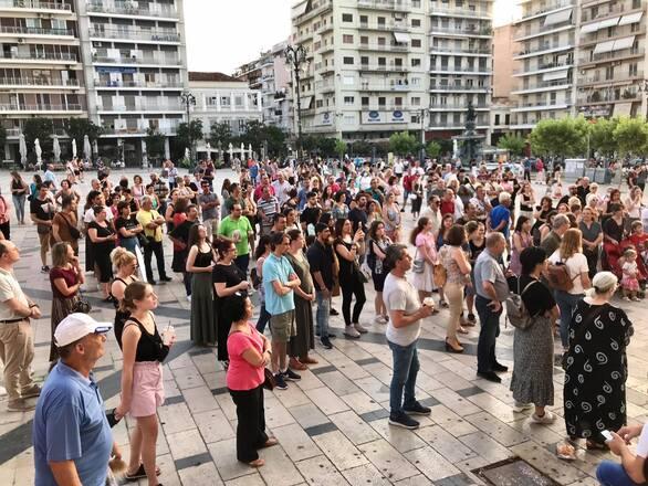 Πάτρα: Νέα συγκέντρωση στην πλατεία Γεωργίου για τον εμβολιασμό (φωτο)