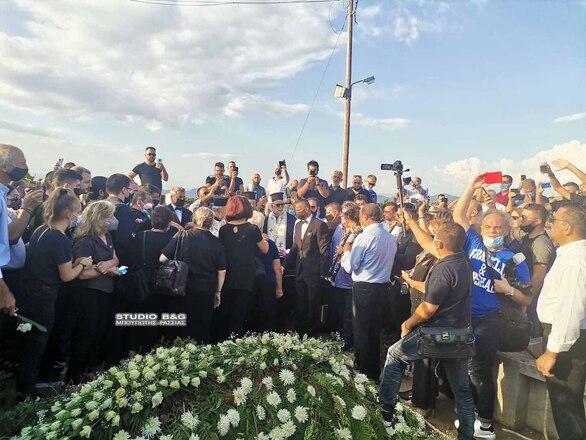 Σε κλίμα θλίψης το τελευταίο αντίο στη Φιλιώ Πυργάκη (φωτο)