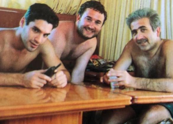 Παπακαλιάτης, Λαζόπουλος, Παπαμιχαήλ χωρίς μπλούζα σε κρουαζιέρα