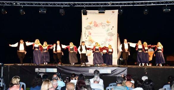 Είκοσι επτά χορευτικά σχήματα μετέτρεψαν την Πάτρα σε «μητρόπολη» χορών! (pics)
