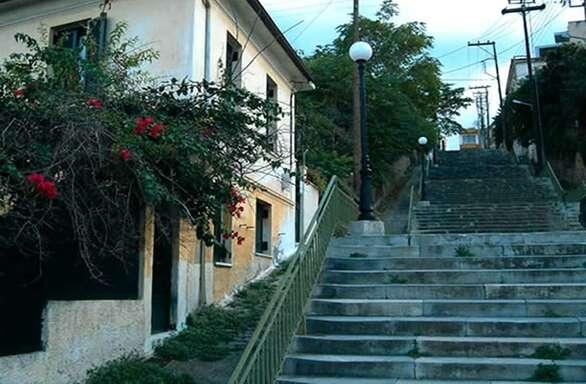 Συναυλία εναλλακτικού ήχου στα σκαλάκια της Φιλοποίμενος στο Αίγιο