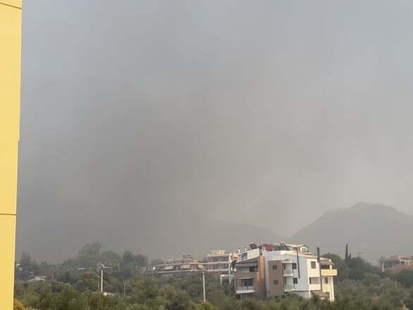 Πάτρα: Πυρκαγιά στην Ελεκίστρα - Εκκενώνεται το Σούλι (pics +video)