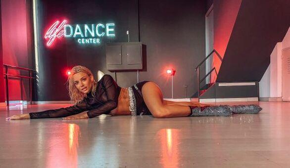 Josephine: Καυτές backstage φωτογραφίες από το εντυπωσιακό video του νέου της τραγουδιού