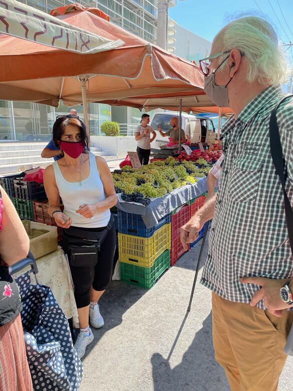 Πάτρα: Περιοδεία του αντιδημάρχου Διονύση Πλέσσα στις λαϊκές αγορές (φωτο)
