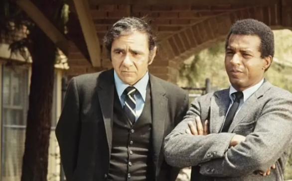 Μάικλ Κόνσταντιν: Πέθανε ο εμβληματικός Έλληνας «μπαμπάς» από το My Big Fat Greek Wedding