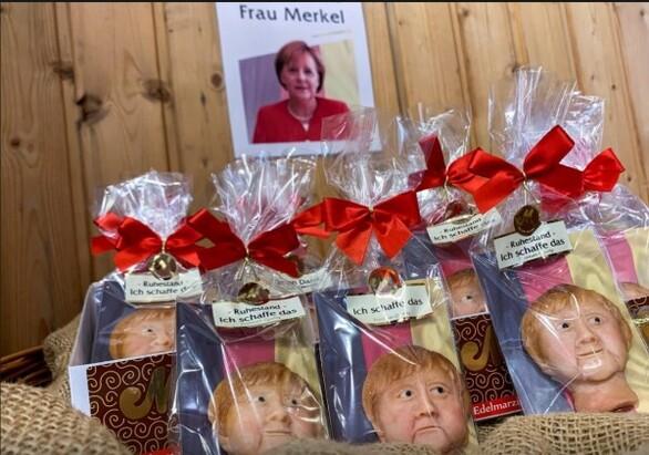 Γερμανία: Η Άνγκελα Μέρκελ αποχωρεί από την καγκελαρία και γίνεται… αμυγδαλωτό